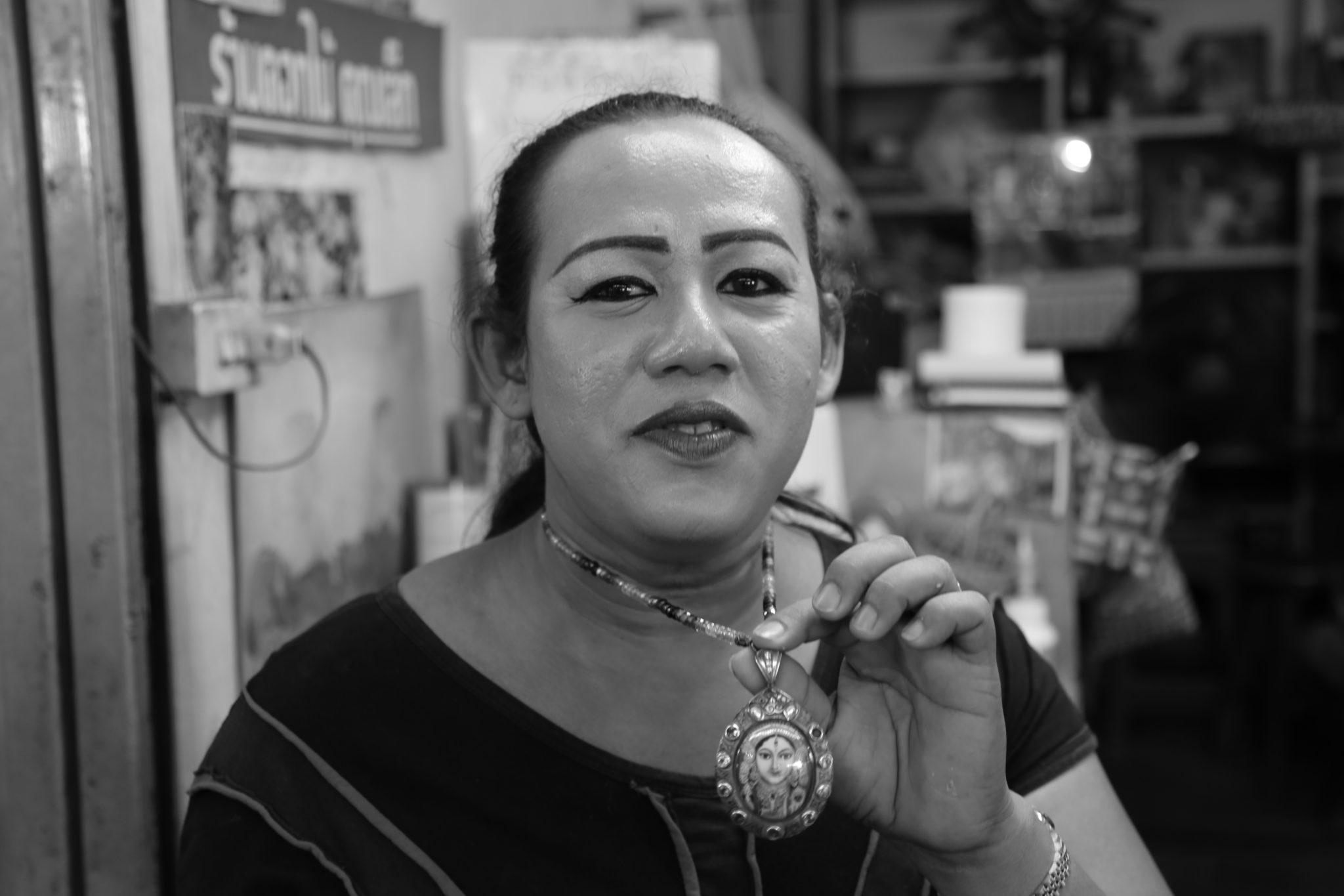 durga amulette thai