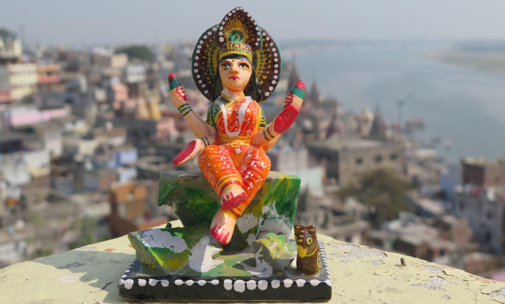 statue lakshmi bénarès