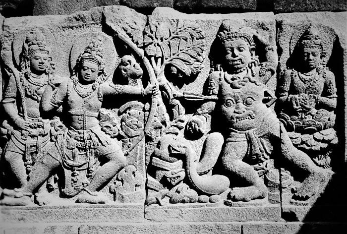 Fresque Ramayana Temple Borobudur Java rama fleche