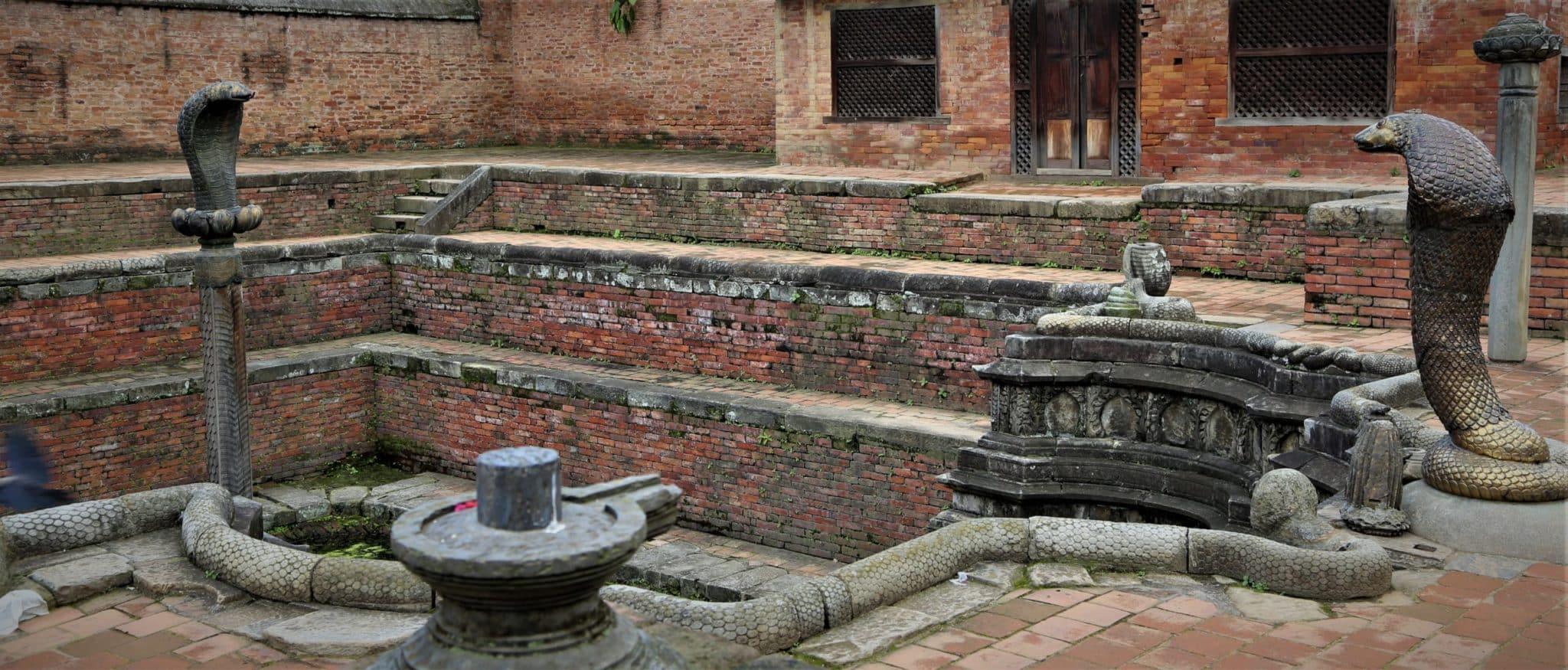 Bhaktapur bassin aux serpents du palais royal