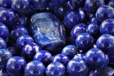 Le lapis-lazuli,  la pierre d'azur qui évoque le ciel