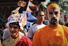 Du Gai Jatra à la Gay Pride